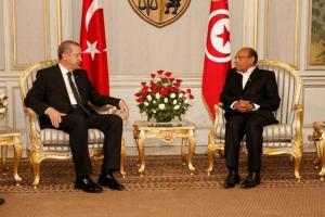 مع رجب طيب أوردوغان رئيس الحكومة التركية
